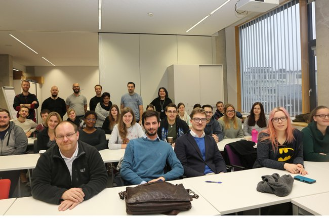 Kurs-TeilnehmerInnen mit Petra Ganaus, Klaudia Jahodinsky, Manuel Kaider, Stefan Rottensteiner