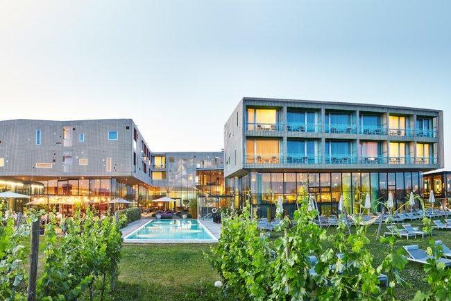 Die Studierenden des Lehrgangs Digital Marketing entwickelten im Praxislabor unter anderem Konzepte für die Loisium Wine & Spa Hotels.