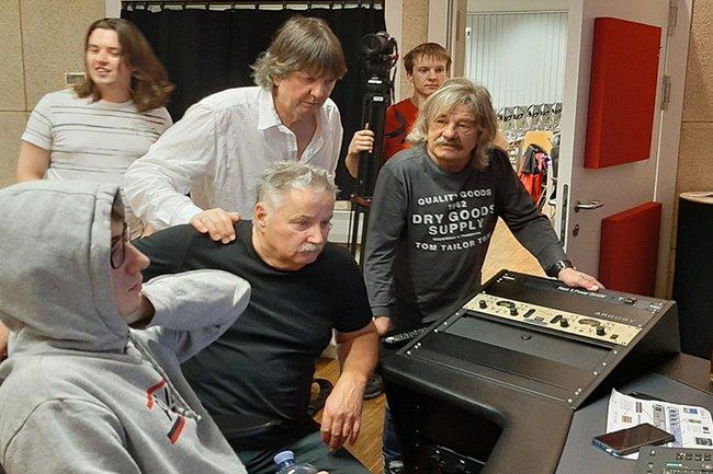 Prominente Gäste im Audio-Studio: Robinson & Band