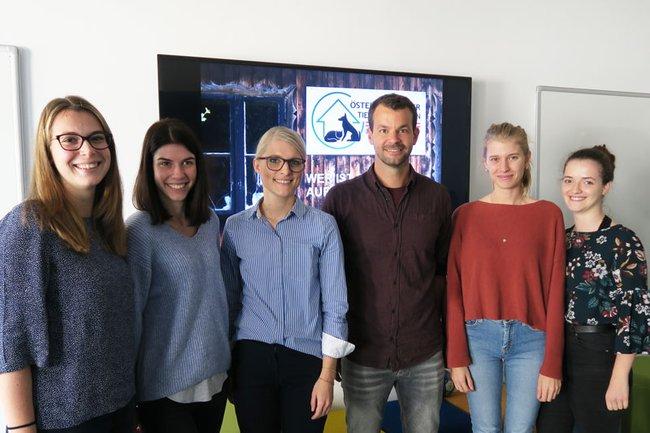 Studierende mit Lektorin Schulner und ÖTV-GF Erich Goschler