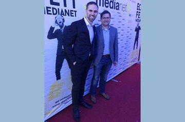 Bei der medianet xpert.night konnten wieder einige Alumni des Departments Medien & Wirtschaft Erfolge einfahren, so auch Christoph Kellner (Mediaplus, links am Bild). Helmut Kammerzelt (Studiengangsleiter Bachelor Media- und Kommunikationsberatung, rechts am Bild) freut sich darüber sichtlich.