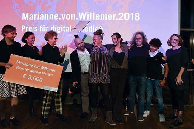 Gewinnerin starsky bei der Preisverleihung des Marianne.von.Willemer-Preises für digitale Medien