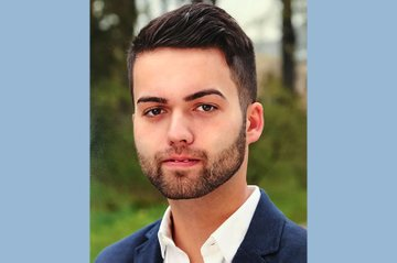 Medienmanagement-Student Martin Möser erhielt ein Stipendium des Vereins zur Förderung des Journalismus in Niederösterreich.