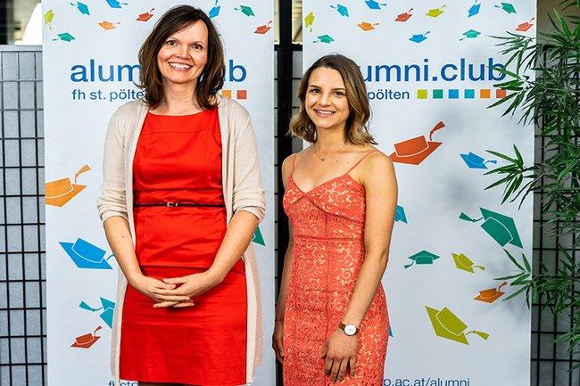 Die Absolventinnen Sonja Burtscher und Nicole Stark