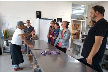 Gruppe Studierender der FH St. Pölten (Sozialpädagogik) begleitet von Christine Schmid, Andrea Nagy (FH St. Pölten) und Alex Klein (Saxion)