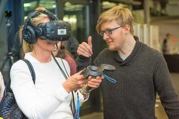 Studierende der FH St. Pölten präsentierten bei der Projektevernissage ihre innovativen Projektarbeiten