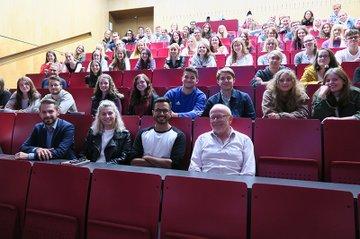 Ewald Volk und TeilnehmerInnen der Veranstaltungsreihe Success-Stories