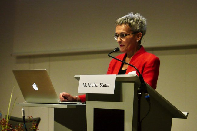 Frau Prof. Dr. Maria Müller Staub bei ihrem Vortrag