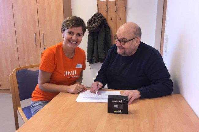 """Kerstin Lampel und einer der Teilnehmer von """"FitDaheim"""""""