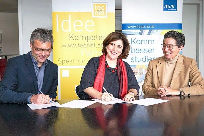 Hannes Raffaseder, Prokurist und Leiter Forschung und Wissenstransfer (FH St. Pölten), Doris Agneter, Geschäftsführerin tecnet equity und FH-Geschäftsführerin Gabriela Fernandes