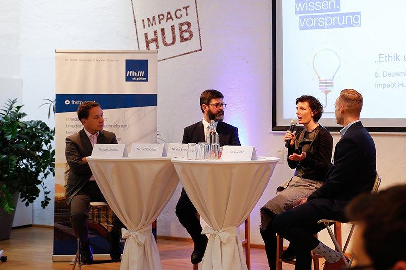 Michael Litschka (FH St. Pölten), Moderator Michael Köttritsch (Die Presse), Sandra Stromberger (Industry meets makers) und Paul Stuefer (e-dialog) diskutierten über Ethik in der Digitalisierung.