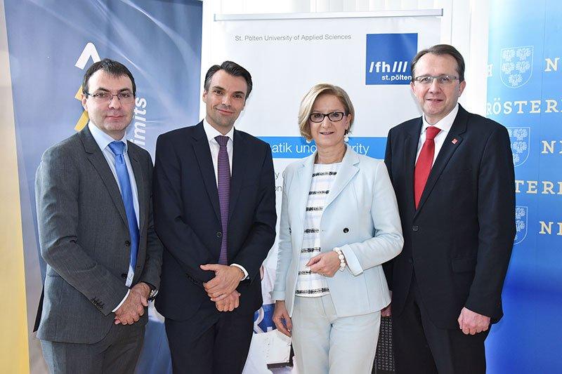 "From left to right: Johann Haag (St. Pölten UAS), Jochen Borenich (board member Kapsch BusinessCom), provincial governor Johanna Mikl-Leitner and mayor Matthias Stadler at the presentation of the ""Austria IT Security Hub""."