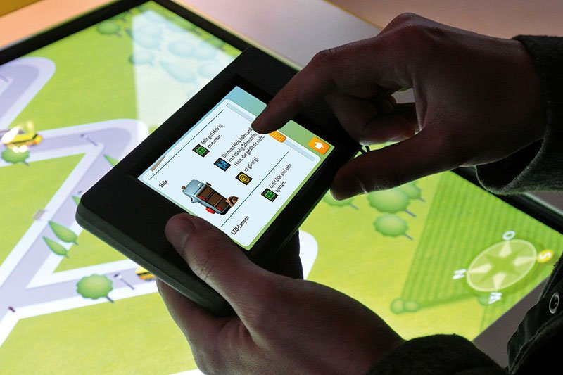 Digital Exhibition – Mobile phone and screen