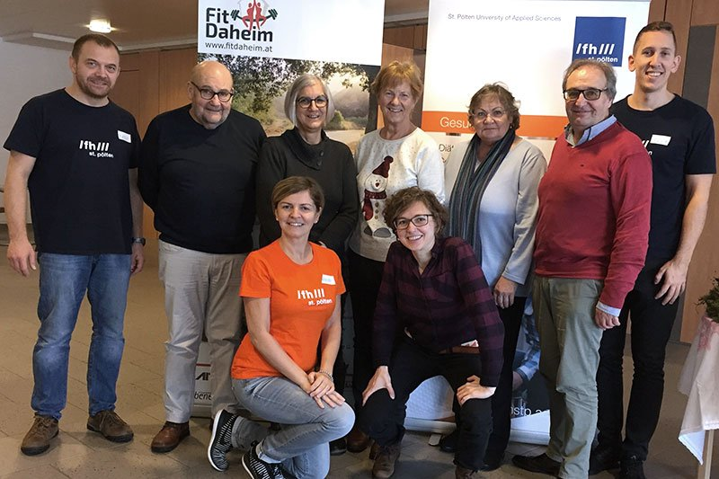 The project team and the seniors who tested FitDaheim