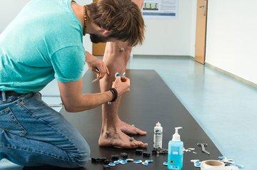 Brian Horsak in the ReMoCap-Lab of St. Pölten UAS