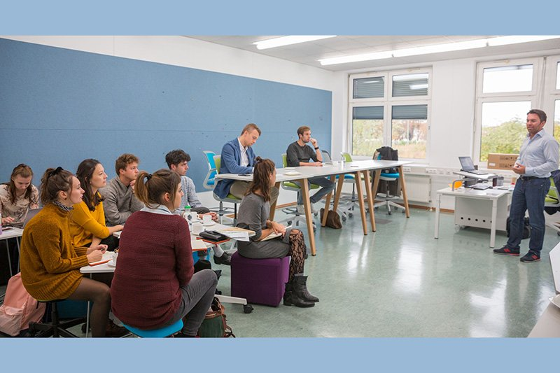 The new teams of the Creative Pre-Incubator attending a workshop at St. Pölten UAS
